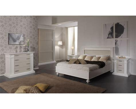 comodini in legno massello letto e comodini in legno massello vari colori estea mobili