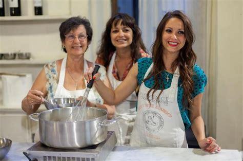 cours de cuisine en groupe cours de cuisine italienne en petit groupe avec visite du