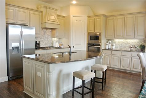 kitchen cabinet glazing the 25 best bloomfield homes ideas on 2524