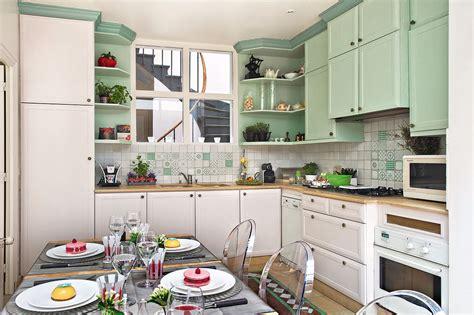 transformer sa cuisine rajeunir sa cuisine pour trois fois rien maison cr 233 ative