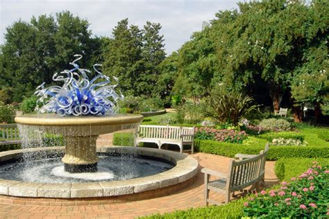 just in time for beautiful botanical gardens