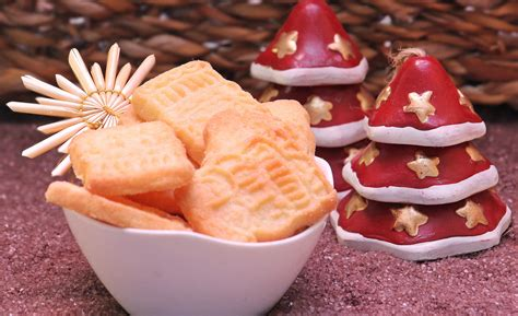 delicious christmas treats tips for christmas treats that are cute and delicious military travel mama