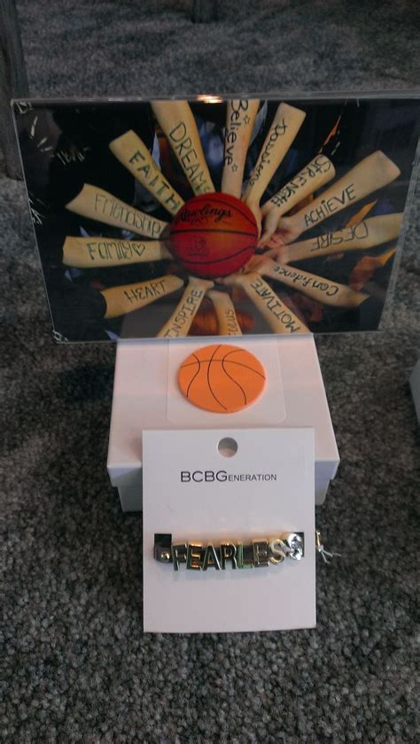 basketball gift idea  teammates team pic  bracelet