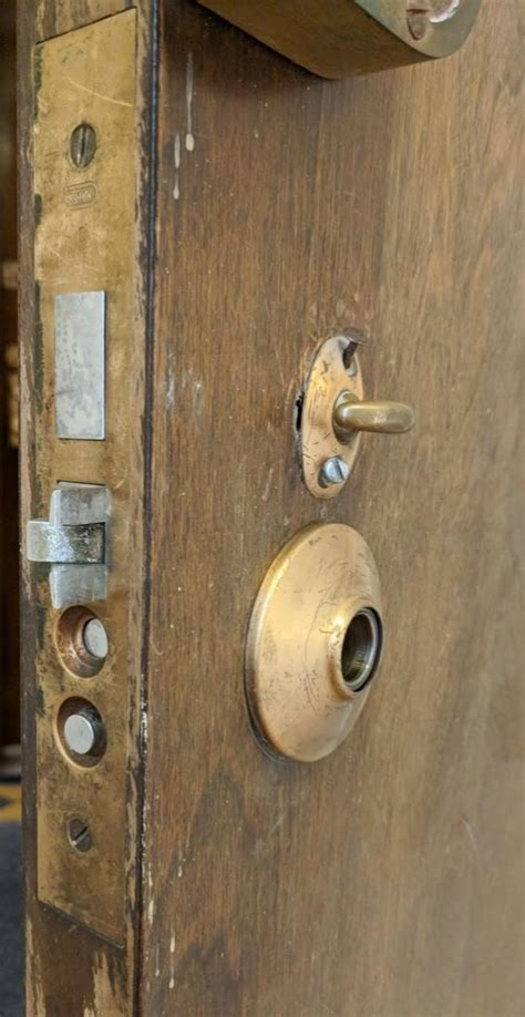 broken spindle  door lock doityourselfcom community