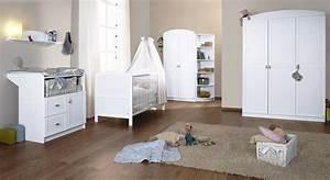 Günstiges Babyzimmer Komplett Set : wei es babyzimmer laura als komplettset mit bett und schrank ~ Bigdaddyawards.com Haus und Dekorationen