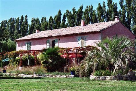 chambre d hote st remy gîtes et locations de vacances à rémy de provence