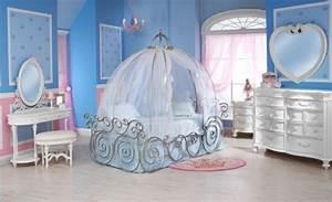 Deco Chambre Fille Princesse : d coration chambre petite fille princesse actuelle ~ Teatrodelosmanantiales.com Idées de Décoration