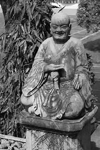 Buddha Aus Stein : buddha aus stein in schwarz weiss foto bild kunstfotografie kultur gem lde ~ Eleganceandgraceweddings.com Haus und Dekorationen
