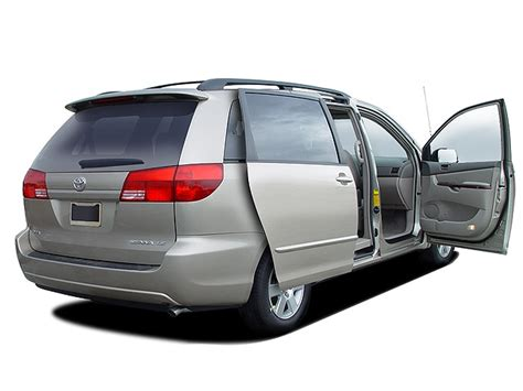 toyota sienna reviews  rating motor trend