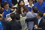 杯葛前瞻藍營掌摑綠委,民進黨要求施暴立委道歉-風傳媒