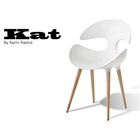 chaise plastique noir chaise design coque assise plastique couleur piétement