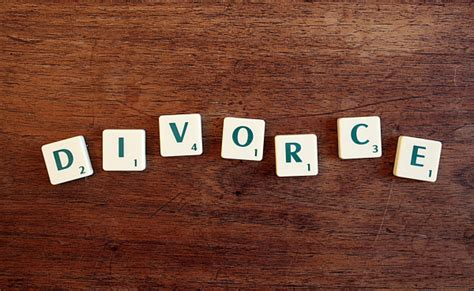chi paga alimenti  caso  divorzio
