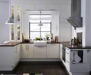 Tischlösungen Für Kleine Küchen : k chenideen f r kleine k chen mit wei e k chenm bel inklusive braun massivholz arbeitsplatte im ~ Sanjose-hotels-ca.com Haus und Dekorationen