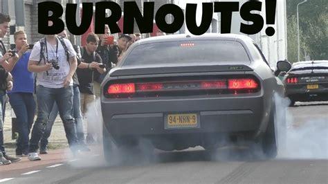 Cars Arrive Cars Arrive At Car Show Burnouts Revs Youtube