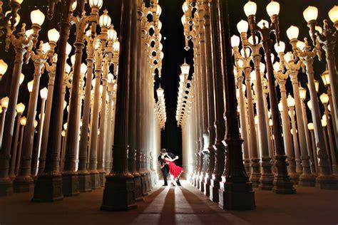 light museum los angeles lacma engagement photography los angeles wedding