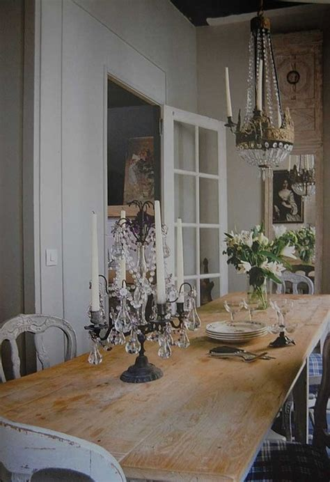 country kitchen chandelier big rustic farmhouse table with a chandelier it 3603