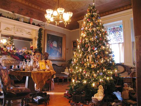 enjoy  christmas season  victoria  van city