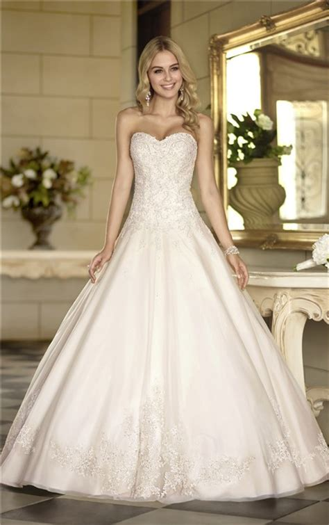 elegant ball gown strapless ivory satin lace corset