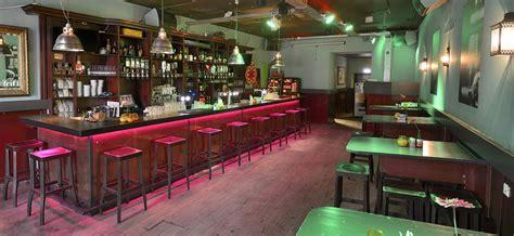 moderne cafe inrichting ontwerp en interieur horeca curtis bar door wsb interieurbouw