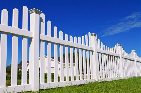 33 Brilliant Home Fence Gate Design Ideas To Protect Your Home In Style