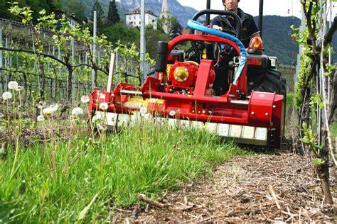 trattori elettrici macchine da raccolto intelligenti