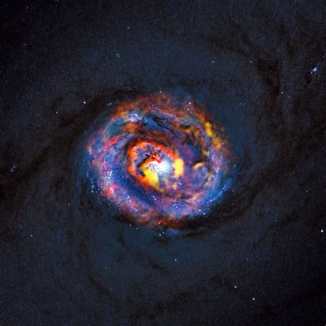 ALMA Peers Into Giant Black Hole Jets - Universe Today