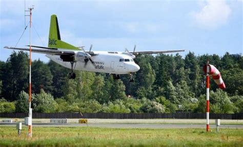 'airBaltic' lidmašīna tehnisku likstu dēļ spiesta ...