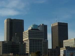 File:Cluster of buildings in downtown Winnipeg, Manitoba ...