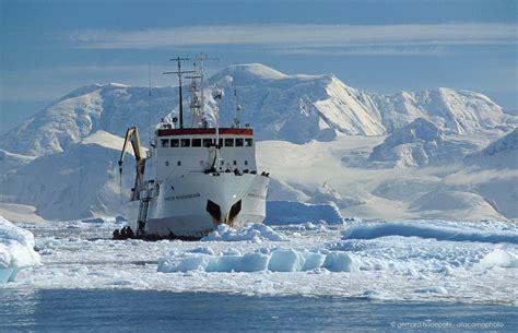 Antarctica landscape and wildlife, penguins, icebergs