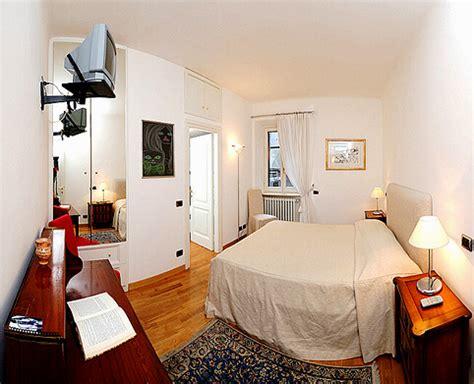 rome spanish steps anita upscale  bedroom