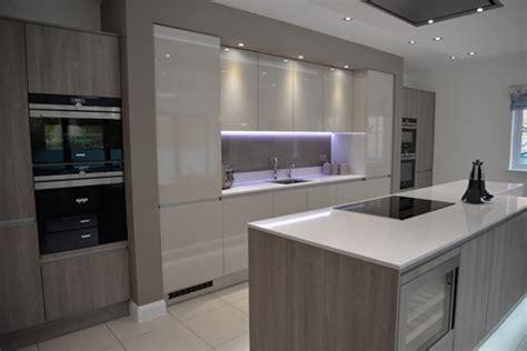 high gloss kitchens     kitchen matters