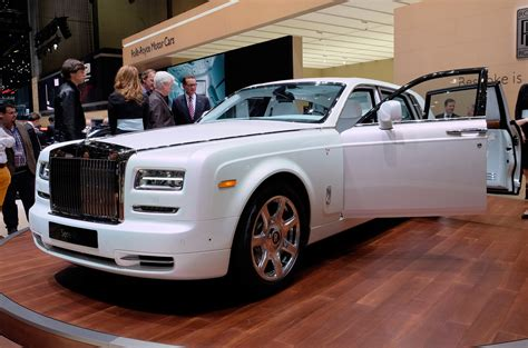 2016 rolls royce phantom 2016 rolls royce phantom serenity carsfeatured com