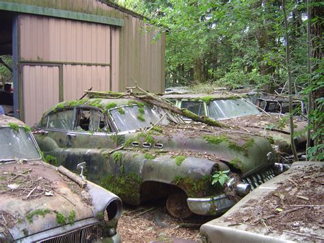 Hiat  Hey, I Abandoned That! Old Abandoned Cars In