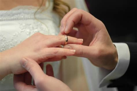 how to claim lost wedding ring on insurance lovetoknow