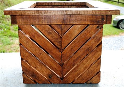 easy reclaimed wood diy garden projects