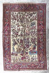 tapis ispahan ancien a decor central d39un arbre fleuri avec With tapis de fleur de lotus