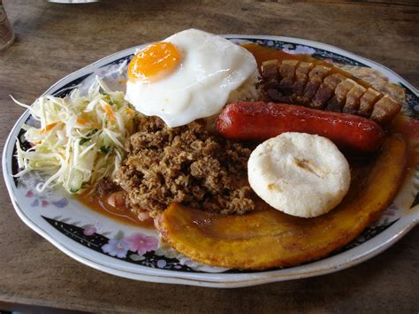 combiné cuisine typical food