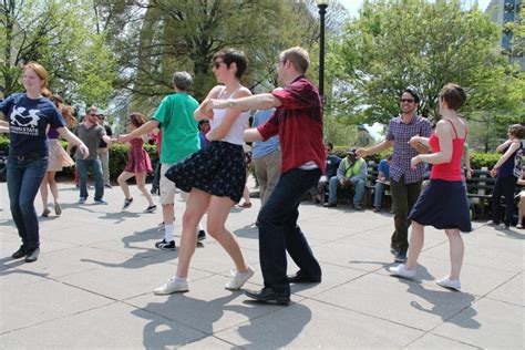 Swing Dancing Climbs In Popularity Among Hub Newcomers