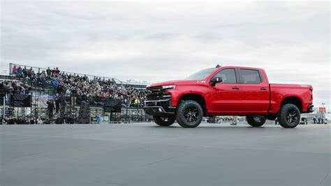 What We Know About 2019 Chevy Silverado
