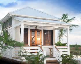Small Coastal Homes by Small Cottage Home Design Ideas Pictures Remodel