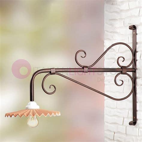applique in ferro battuto da esterno lada a parete applique da esterno con vetro ambra