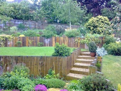 steingarten am hang garten am hang anlegen und sch 246 ne hangbeete bepflanzen garden walls paths and fences garten