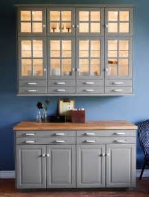 Armoire Murale Vitrée Ikea by Traditional Grey U Shaped Ikea Kitchen Design And Ideas