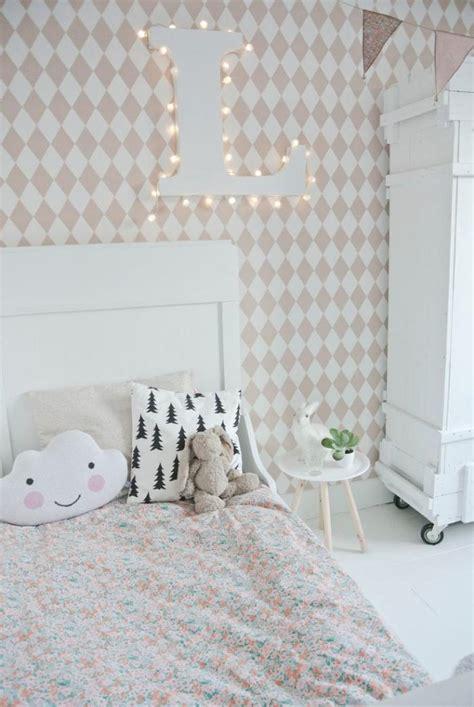 papier peint design chambre sublimez vos intérieurs en mettant un papier peint blanc
