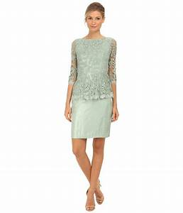 Flattering50 top 10 dress styles for women over 50 for Dresses for 60 year old wedding guest