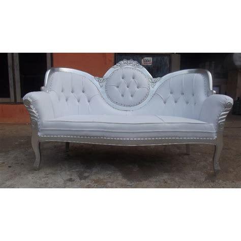 location canape canapé pour mariés tout en argent blanc