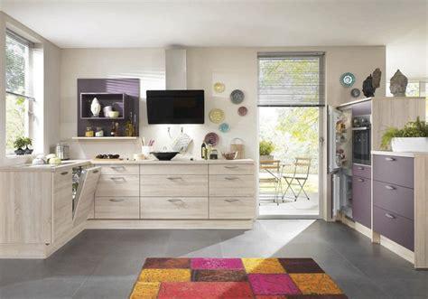peinture cuisine gris modele de cuisine en bois peint mzaol com