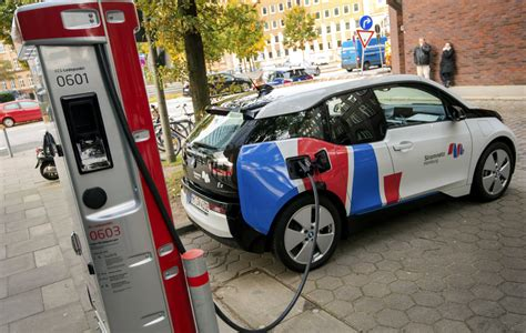 Europe Plugs Away At Electric-car Network