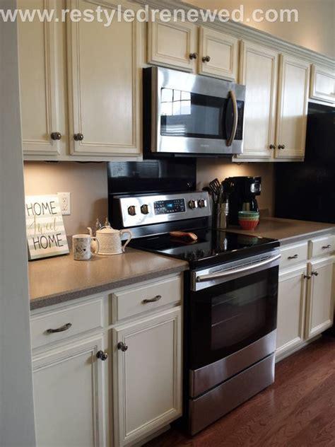 Sloan Kitchen Cupboards by Best 25 Chalk Paint Cabinets Ideas On Chalk