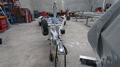Boat Trailer Rollers And Skids by Triaxle Aluminium Trailer With Skids And Centre Roller